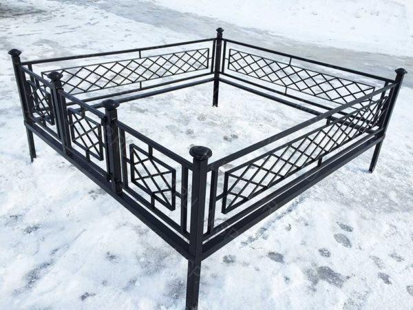 Ограда металлическая Б1114