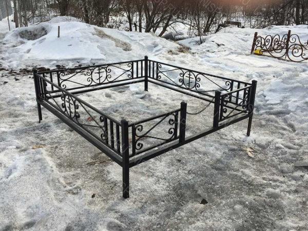 Ограда металлическая Б1116