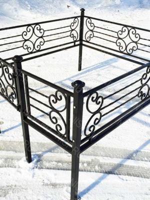 Ограда металлическая Б1127